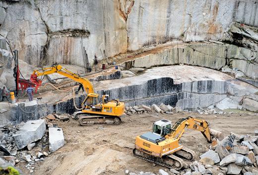 dichte granit abbau von flossenba 1 4 rger im steinbruch der helgert gmbh foto firma berechnen